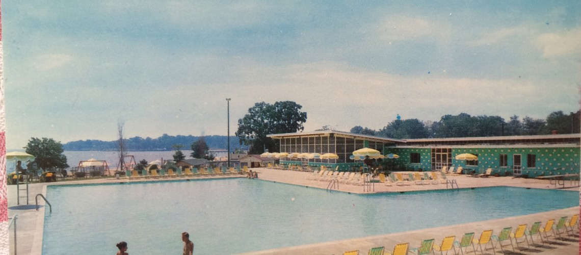 Bay Ridge Pool postcard cerca 1960. Shot by M. Warren.