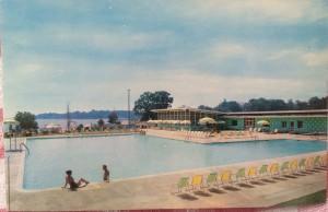 Bay Ridge Pool postcard cerca 1960. Shot by M. Warren.